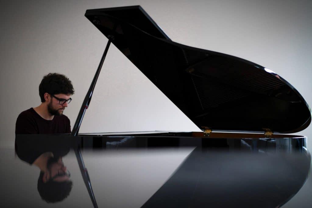 Philipp Hermann am Klavier